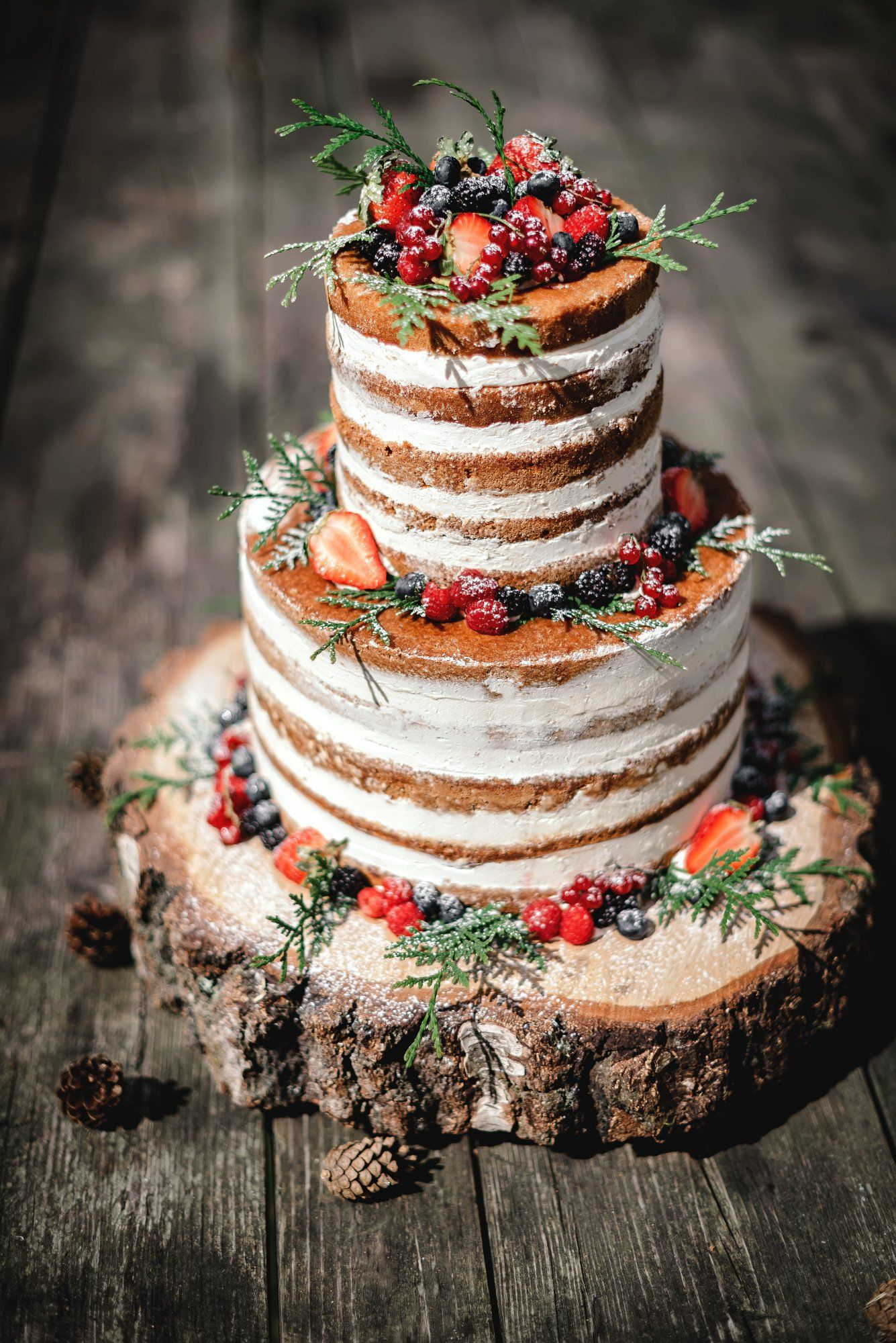 Something Sweet: 10 Designs for Rustic Wedding Cakes Too Pretty to Eat