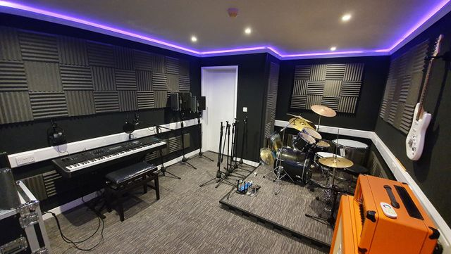 How To Soundproof A Home Music Studio Practice Room Brick Block Construction