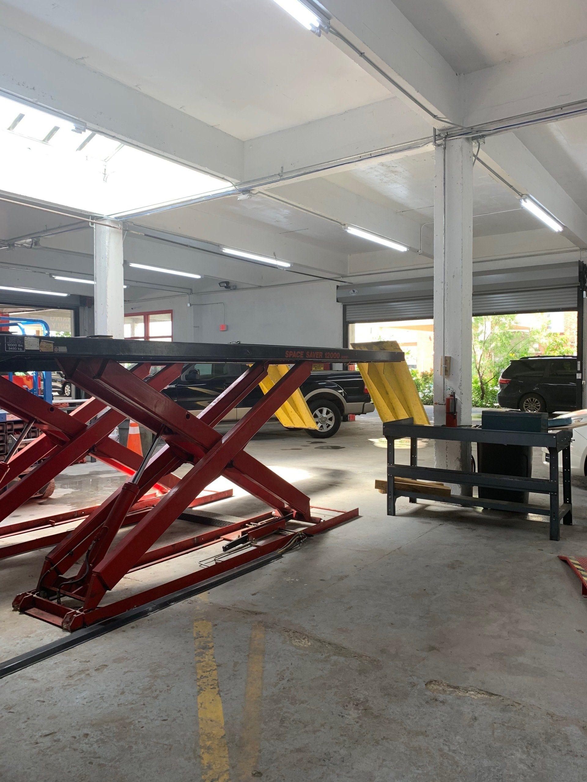 Auto Repair Shop   San Antonio, TX   Mike's Downtown Garage
