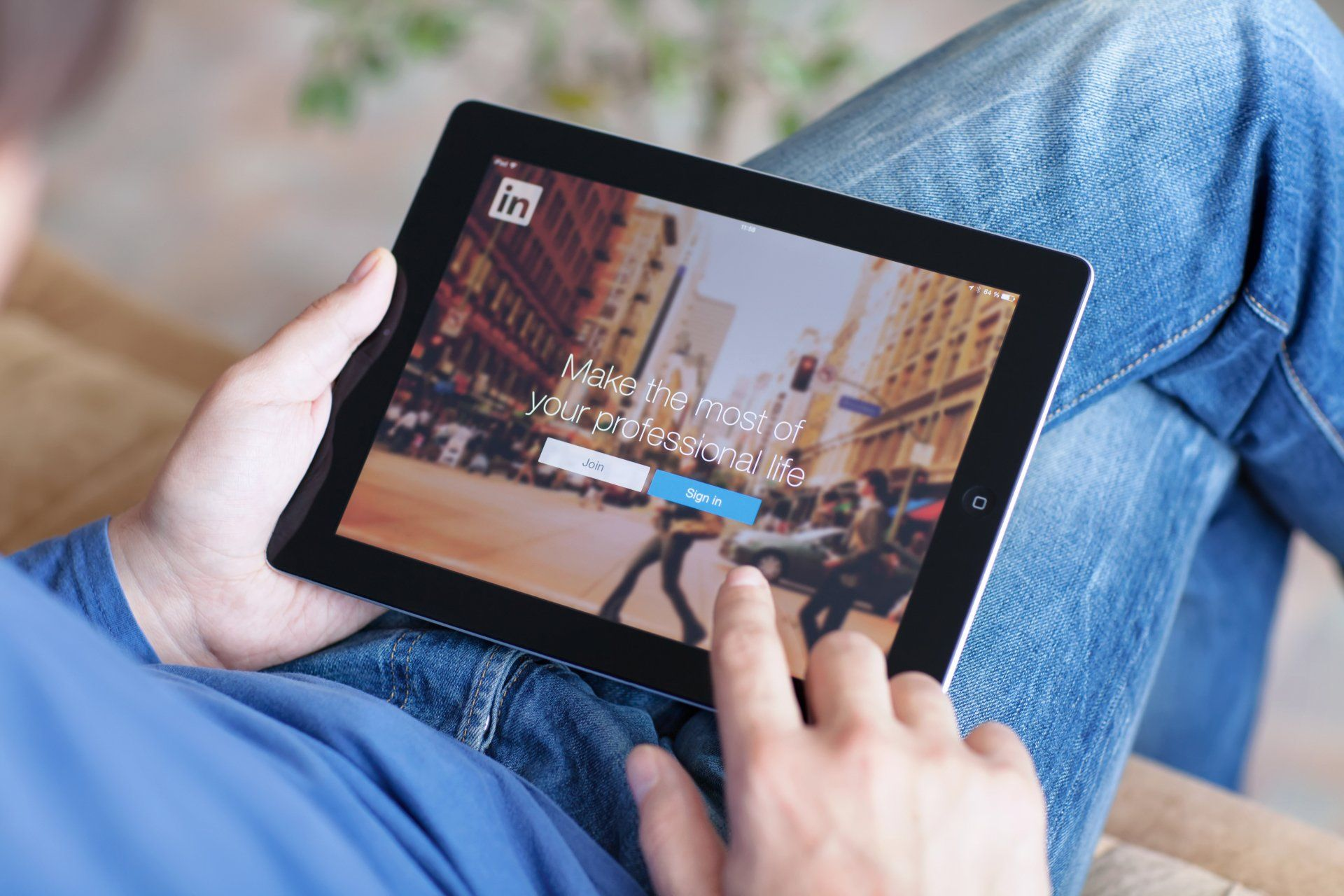 How to increase sales using LinkedIn
