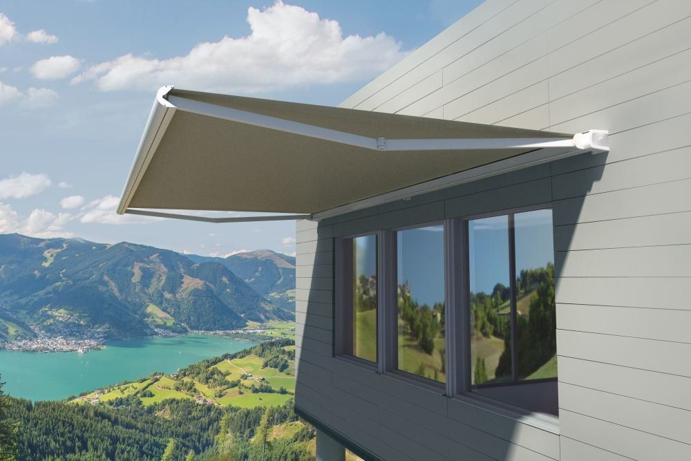 COVER-TECH | Retractable Awnings | Patio Awnings | ROLLTEC ...