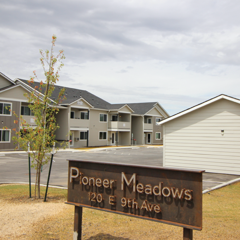 Pioneer Point Platteville Apartments Home: Rudeen Property Management