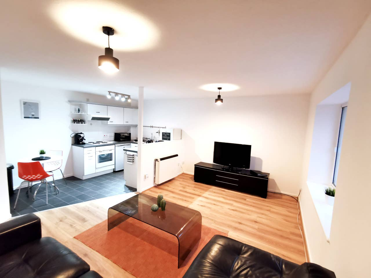 Services Apartments - apartments and houses to rent in Cardiff
