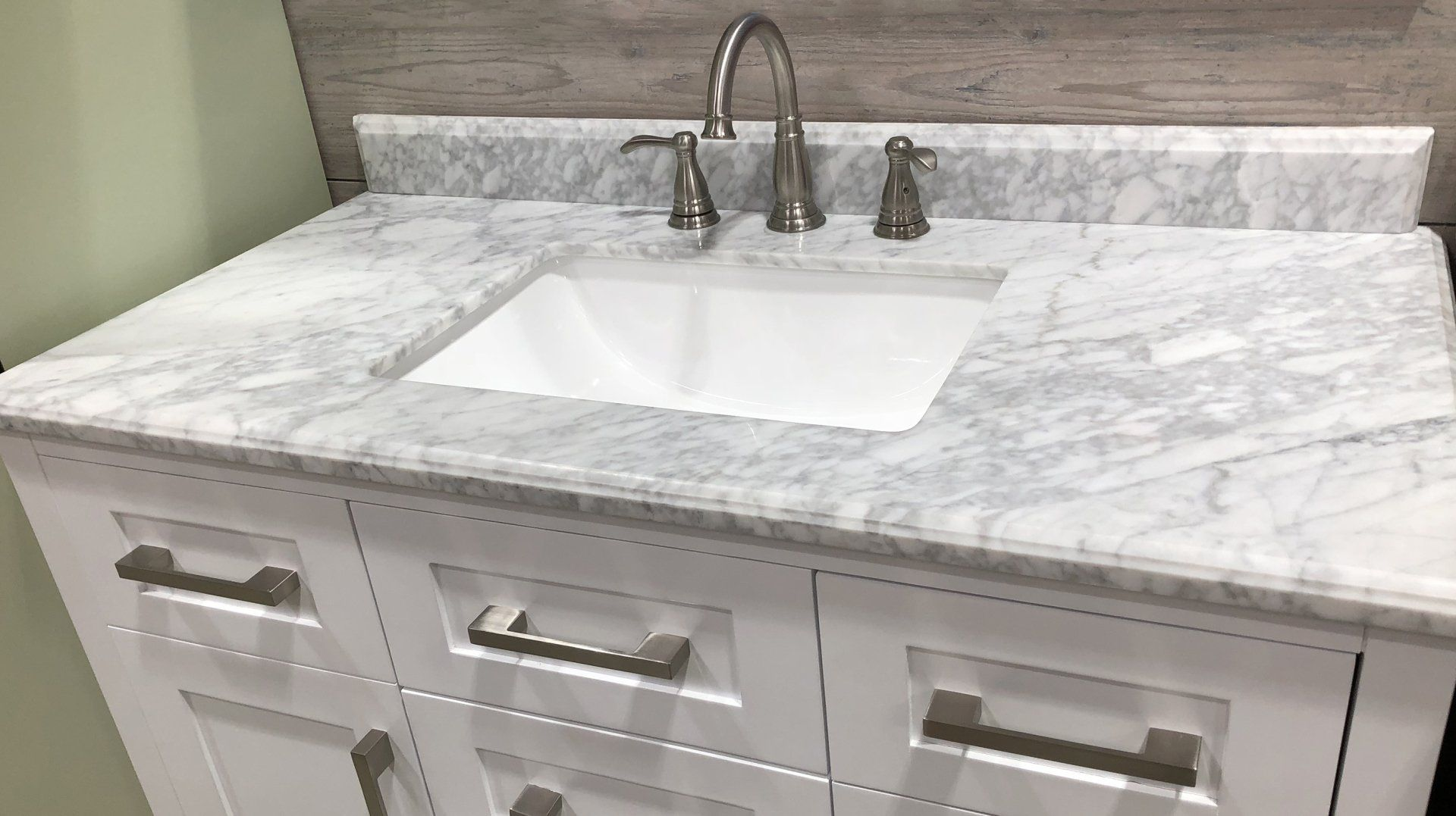 3 Reasons To Choose Quartz Countertops For Your Commercial Facility