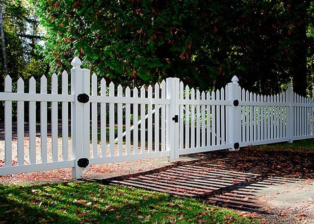 Building A Front Yard Fence