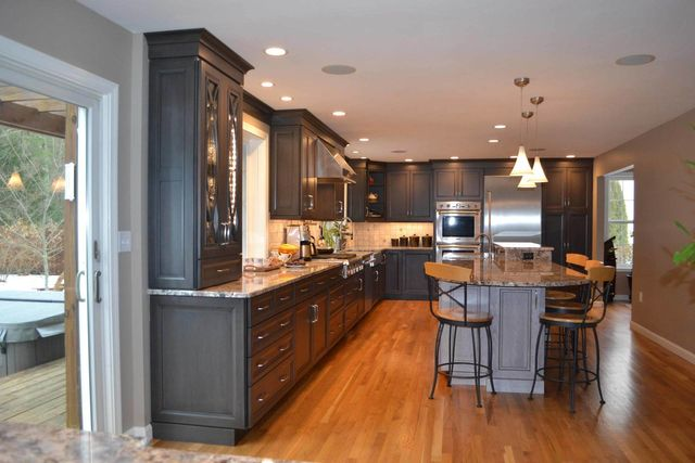 Why Homeowners Fall In Love With Espresso Cabinets