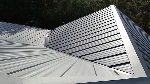 Metal Roofer For Commercial Residential Projects Repairs Replacements